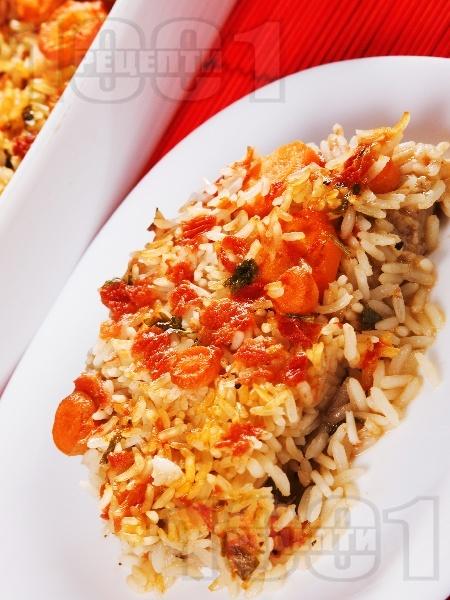 Печени свински пържоли на фурна с ориз и домати - снимка на рецептата